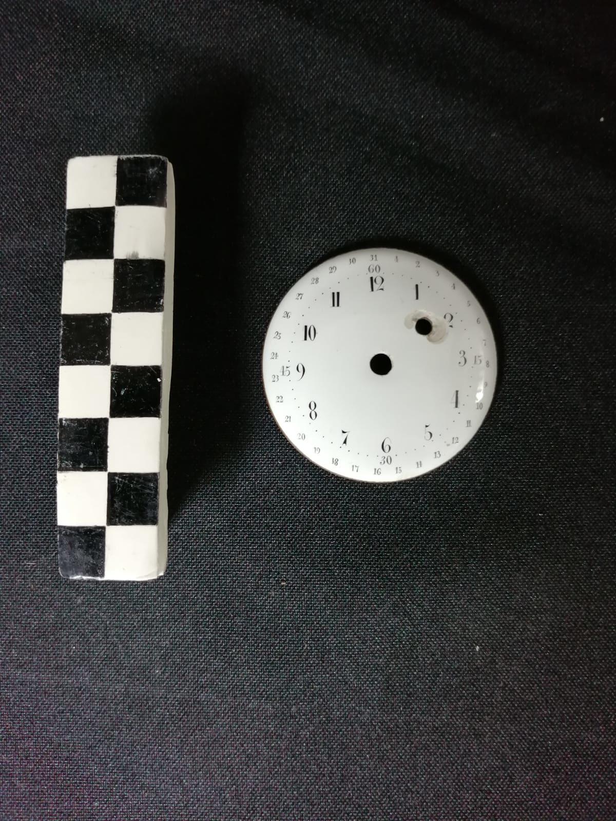restauration réparation émail métal montre cadran horloge